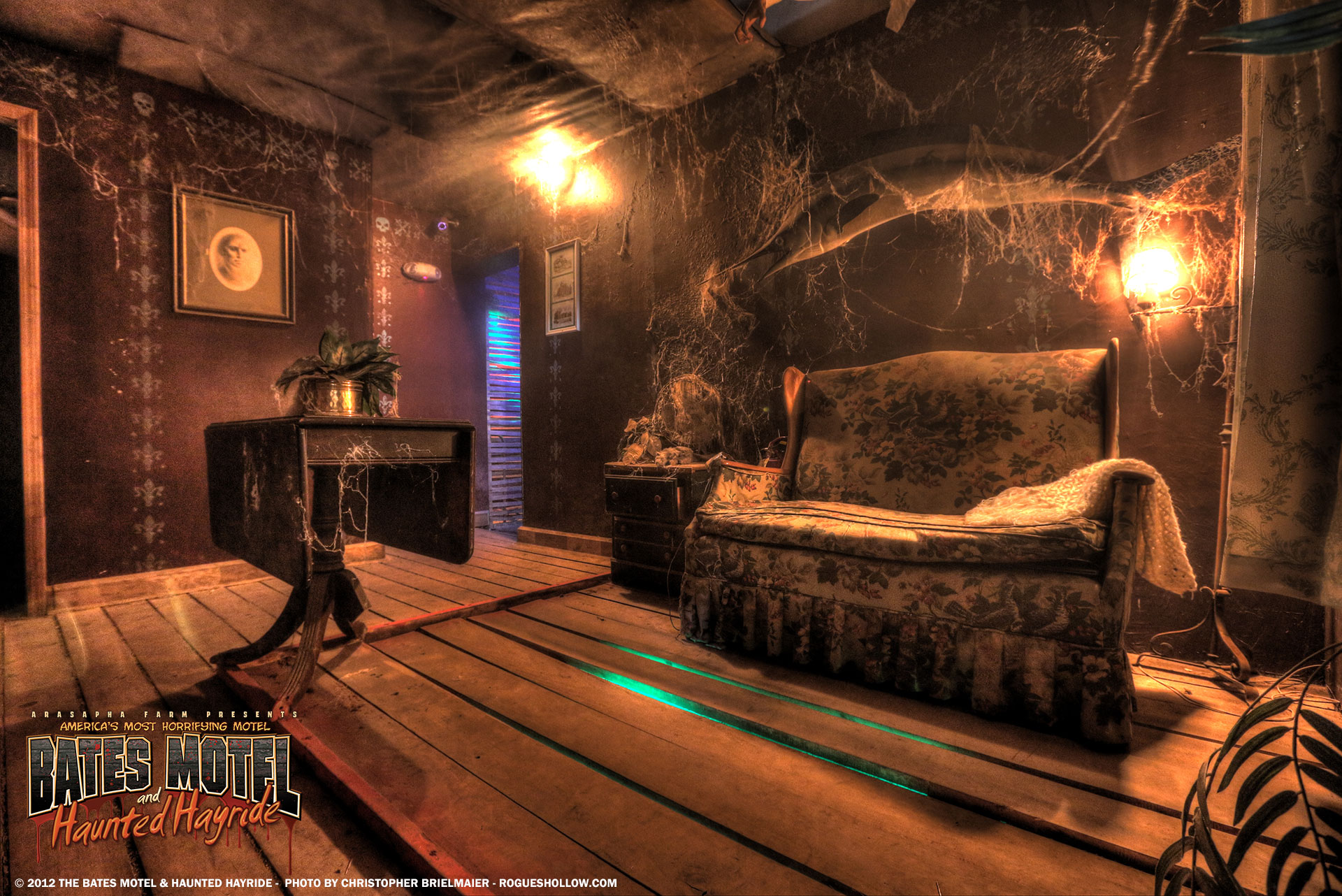 The bates motel pennhurst asylum photos rogues hollow for Haunted room ideas